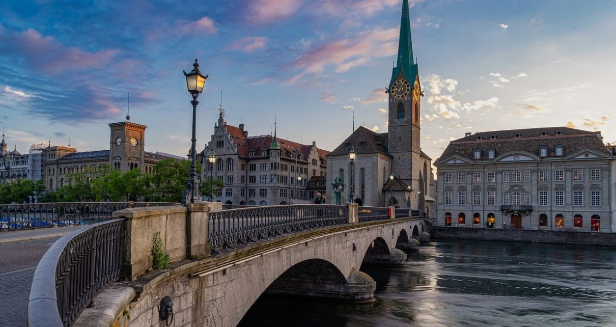 Comment partir en vacances en toute sécurité en Suisse avec la Covid-19 ?