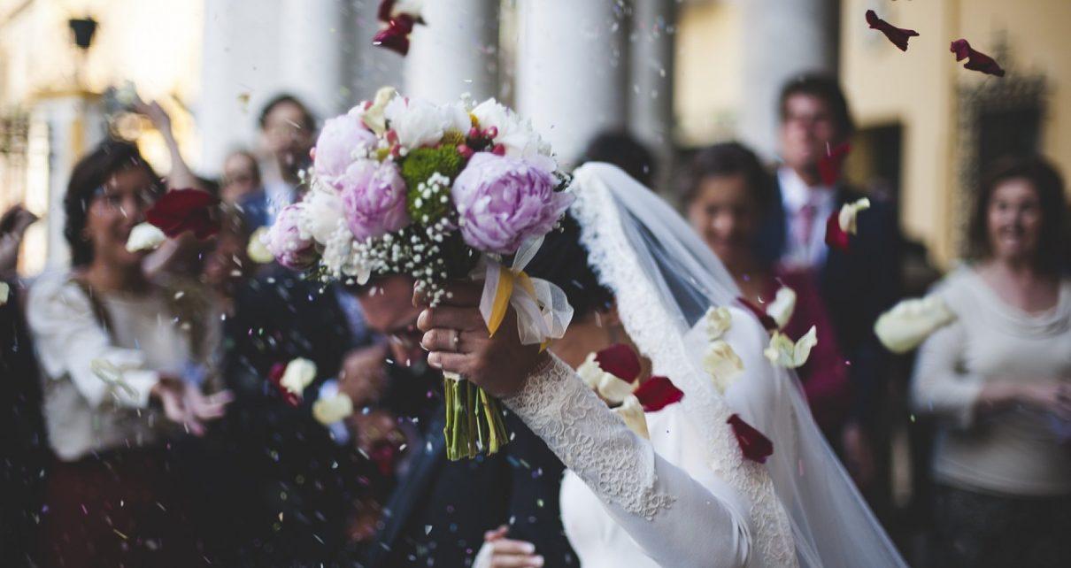 Un mariage fleuri est bien plus beau